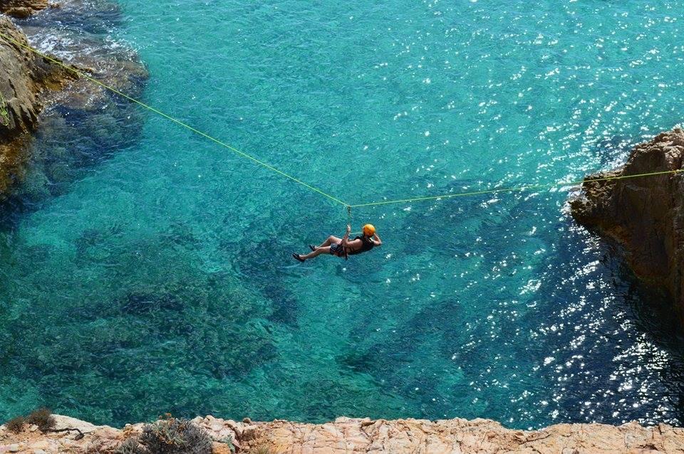 Trekking costiero a Chia in Sardegna